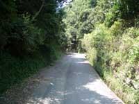 住宅街からの山道