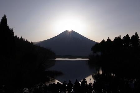 田貫湖春のダイヤモンド富士
