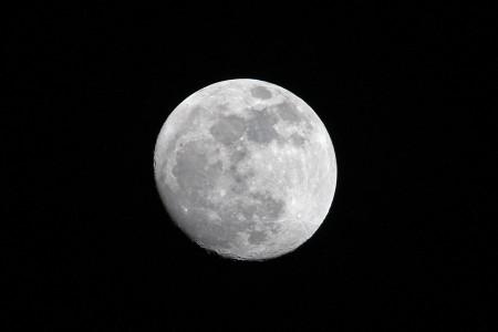 月の手持ち撮影