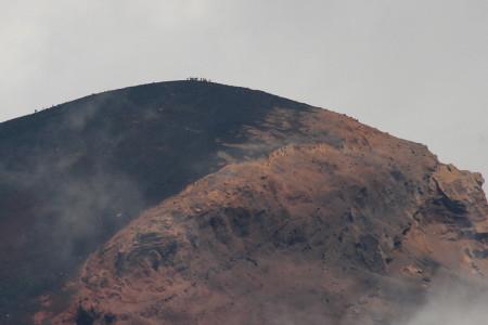 西臼塚から望む宝永山