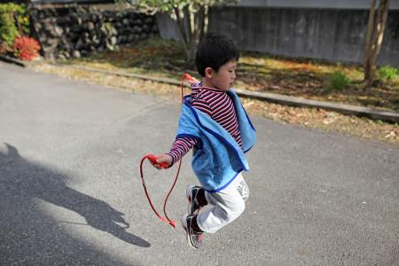 縄跳びの息子