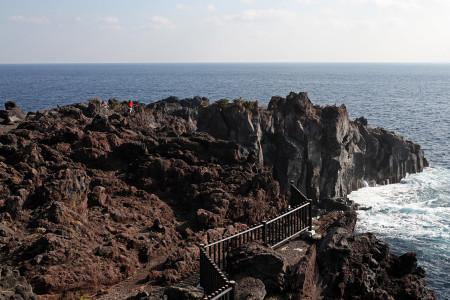溶岩石の岩場