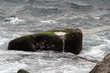 流れ出る海水