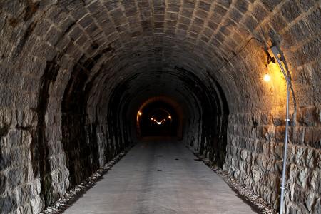 旧天城トンネル内部