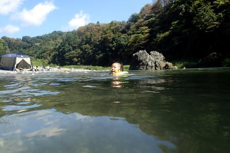 多摩川上流での川遊び