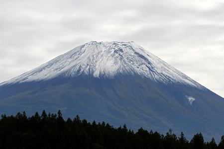 2013年初冠雪の富士山(朝霧高原より)
