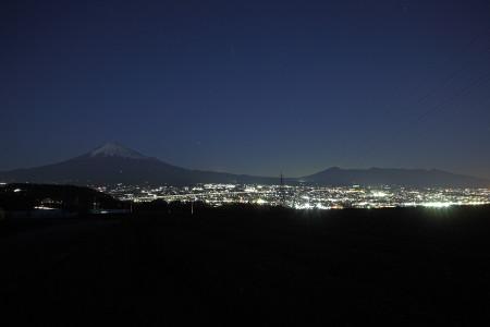 富士市岩本からの夜景と富士山