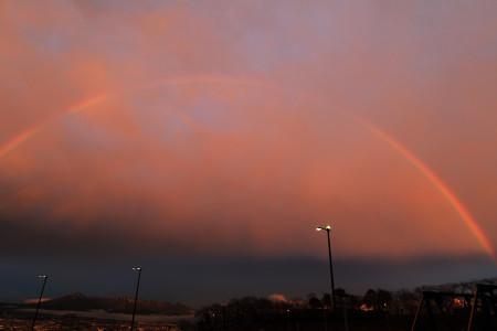 夕焼け雲と虹