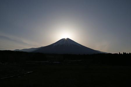 4月12日朝霧高原からのダイヤモンド富士