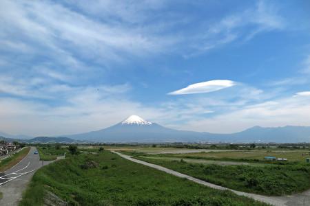 5月12日の富士山と吊るし雲