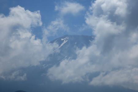 富士山は見え隠れ