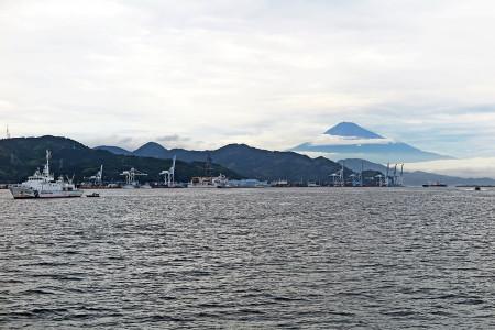 小ネタ交じりの清水港と富士山