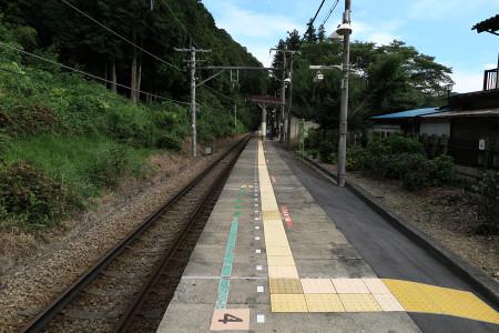 JR青梅線石神前駅
