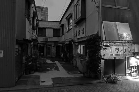 商店街の裏路地