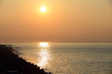 蒲原からの駿河湾の夜明け