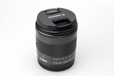 EF-M 11-22mm F4-5.6 IS STM外観