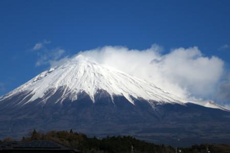 富士山と雪煙り