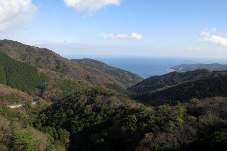 山伏峠から相模灘方面を望む