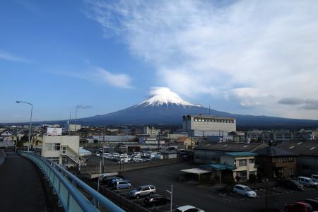 富士山とかさ雲