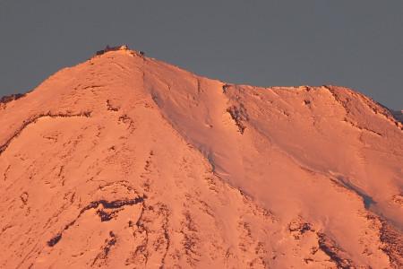 夕陽に染まる剣ヶ峰付近