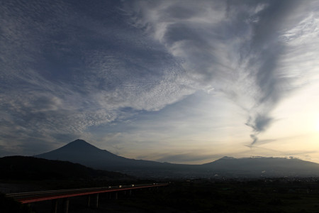 2012年8月29日私撮影の富士山と雲