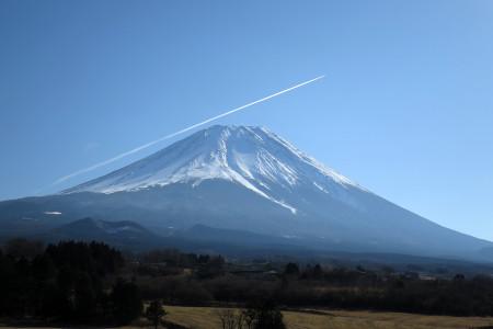 富士山をかすめて