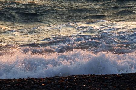 夕陽に染まる駿河湾