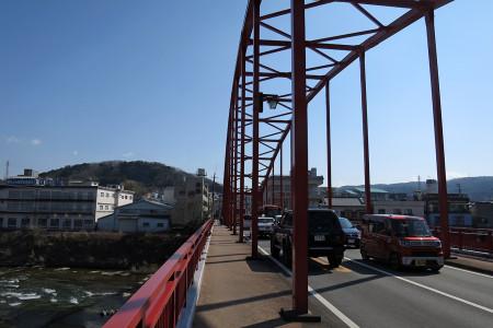 狩野川を渡り修善寺駅へ