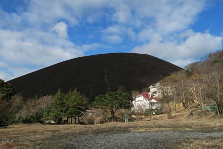 野焼き後の大室山