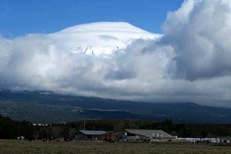富士山には豪快な雲