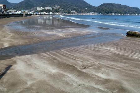 砂浜の波紋