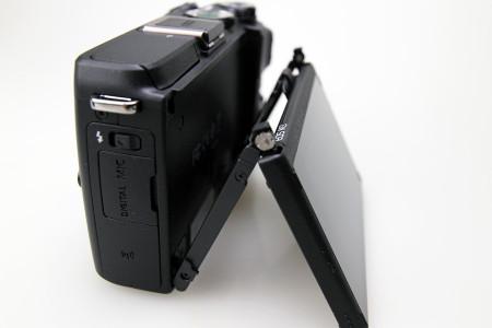 チルト式背面液晶モニター