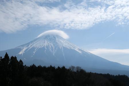 富士山にはかさ雲