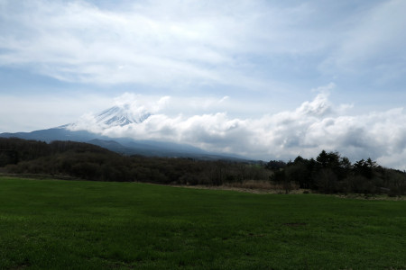 富士山には雲が