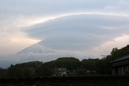 4月20日朝の富士山