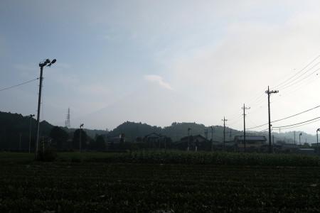 薄らと富士山
