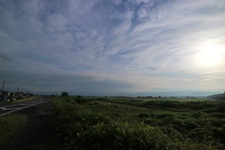 梅雨の晴れ間の富士山残念