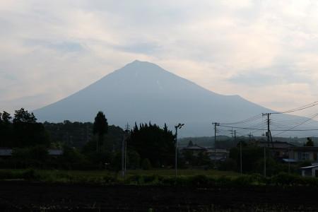 6月13日朝の富士山