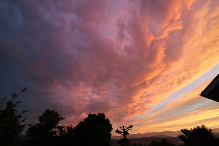 自宅から見た夕焼け空