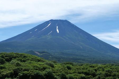 富士ヶ嶺付近からの夏富士