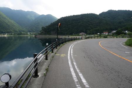 西湖湖畔の道