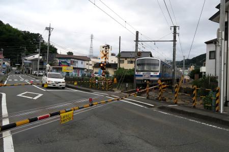 修善寺駅そばの踏切
