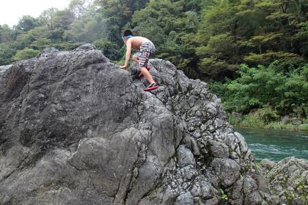 多摩川での川遊び