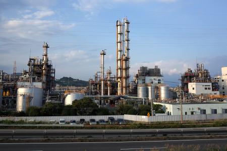 イハラニッケイ工場と富士山頂チラリ