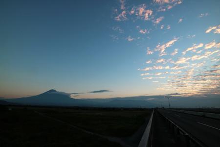 富士山と秋の雲