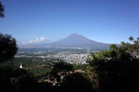 峠道からの富士山