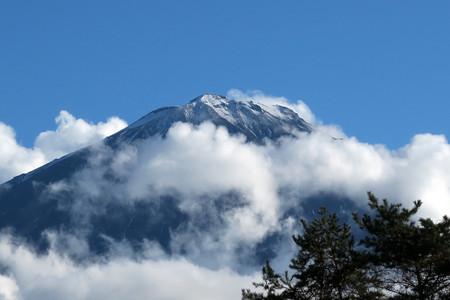 鳴沢からの富士山頂
