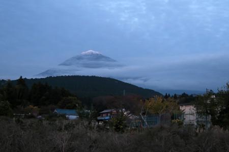 山宮からの富士山は雲が増え