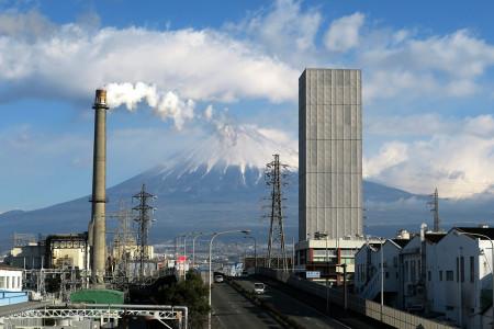 富士見大通り歩道橋からの富士山