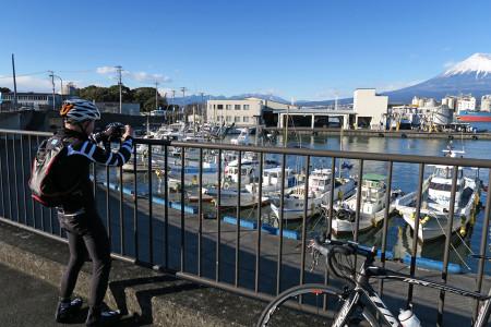 田子の浦港にて